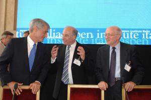 Robert Rubin, Jacob A. Frenkel and Martin Feldstein